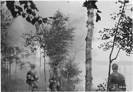 Suomalaisjoukkoja Tietävälässä, jossa myös Jalkaväkirykmentti 6 taisteli.