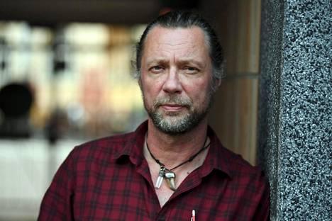 Antti Reini painottaa, että kaikille tulisi löytyä katto pään päälle.