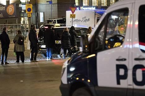 Poliisi tuntee Helsingin taksien reviirikiistat.