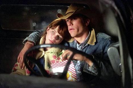 2005: Heath Ledger ja Michelle Williams näyttelivät avioparia elokuvassa Brokeback Mountain. Pari rakastui oikeasti ja heille syntyi tytär.