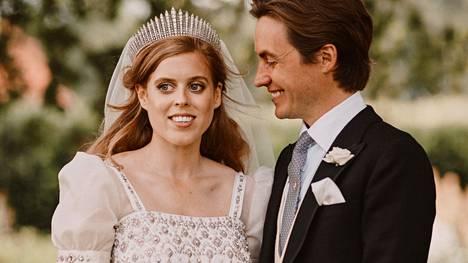 Prinsessa Beatrice ja Edoardo Mapelli Mozzi menivät naimisiin 17. heinäkuuta.