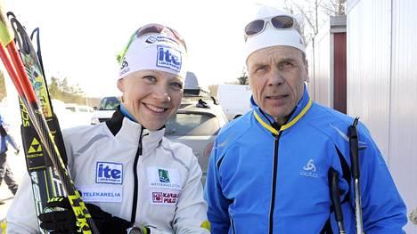 Kaisa Mäkäräinen ja Jarmo Punkkinen Kuopion SM-hiihdoissa vuonna 2011.