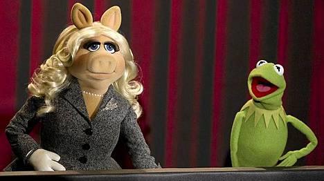 Miss Piggy ja Kermit ovat hyvin vihaisia.