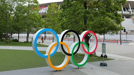 Tokion olympialaisissa urheilijoita kannustetaan hillityissä tunnelmissa.