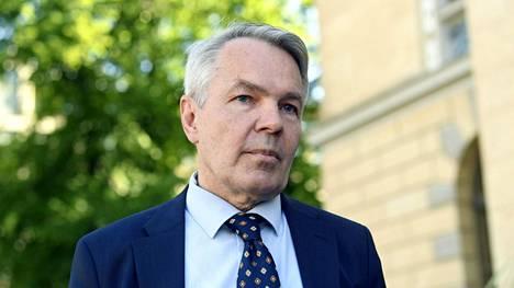 Ulkoministeri Pekka Haavisto hallituksen neuvotteluissa Säätytalolla 11. kesäkuuta.