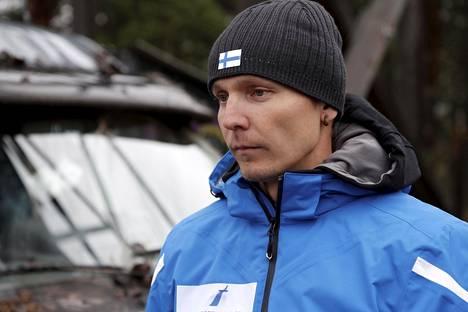 Pitkäaikainen päävalmentaja Petter Kukkonen kokee keskustelun maajoukkueen leirityspaikasta lievästi kiusalliseksi, vaikka riskit ovat kurinalaisella toiminnalla minimoitavissa.