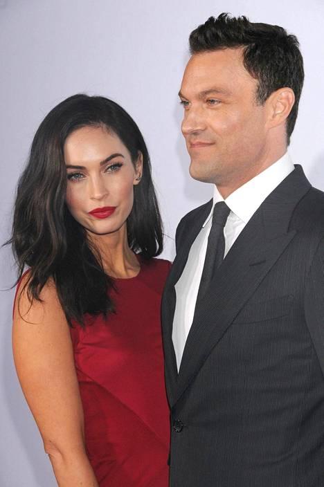 Megan Fox on nähty myös lyhyemmässä tukassa. Hän on naimisissa näyttelijä Brian Austin Greenin kanssa.