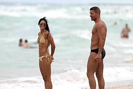 Ex-futari Diego Simeone ja Carolina Baldini paistattelivat päivää Miami Beachilla.