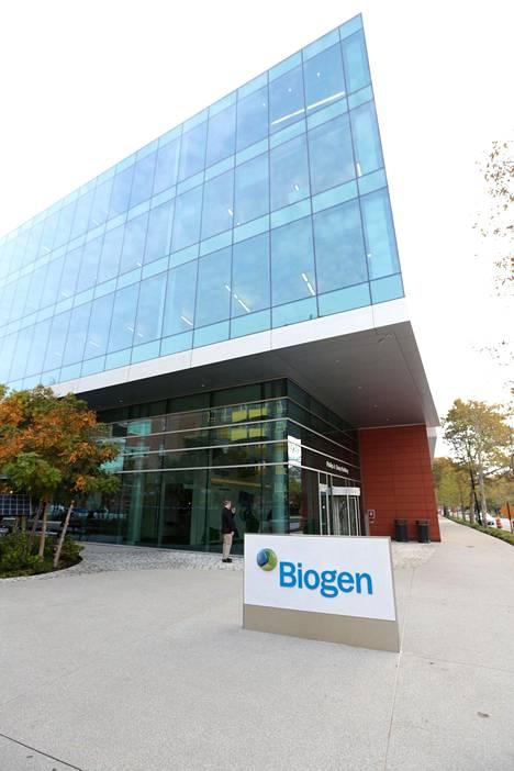 Tuhannet tartunnat voidaan tutkijoiden mukaan yhdistää Biogen-yrityksen kansainväliseen konferenssiin.