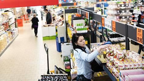 Myymälöiden sisällä on tehty paljon muutoksia, Lidl kertoo tiedotteessa.