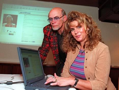 Riitta Väisänen ja Spede seurustelivat ja työskentelivät yhdessä. Kuva vuodelta 2000.