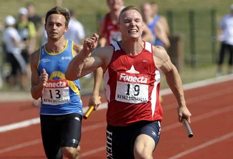 Sipilä (oik.) juoksi viimeisen kerran Kalevan kisoissa vuonna 2011.