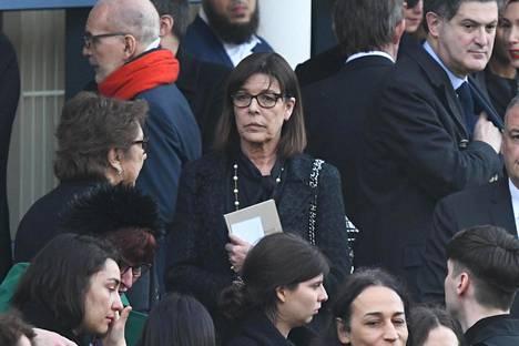 Monacon prinsessa Caroline saapui paikalle kahden lapsensa kanssa.