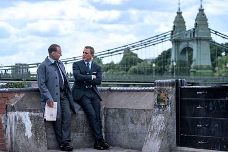 Uuden Bond-elokuvan ensi-ilta siirtyi huhtikuulta 2020 uudestaan ja uudestaan.