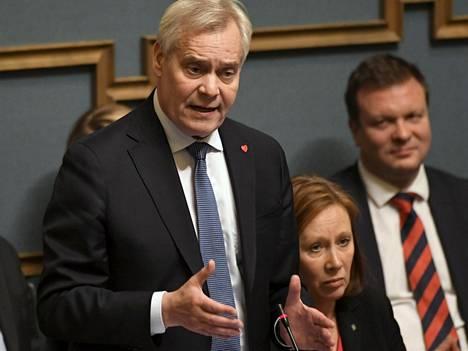 Rinne ja kunta- ja omistajaohjausministeri Sirpa Paatero. Postin tapaus kävi kummallekin kohtalokkaaksi.
