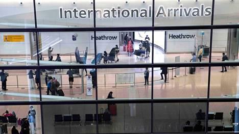 """Englanti aikoo luopua """"keltaisista maista"""" matkustavien EU:n asukkaiden karanteenivaatimuksesta."""