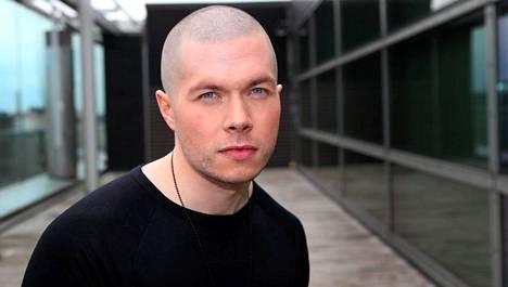 Jussi Kari menetti laulukykynsä kahdeksan vuotta sitten.