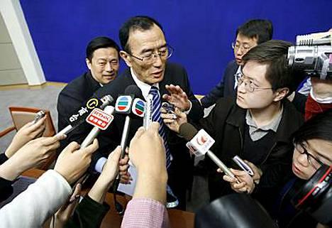 Tiibetin hallinnosta vastaava Qiangba Puncog sanoo, ettei Kiina ole käyttänyt tuliaseita Tiibetin mielenosoittajien rauhoittamiseksi.