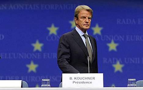Ranskan ulkoministeri Bernard Kouchner kertoo, että EU haluaa lähettää tulitaukotarkkailijoita Georgiaan.