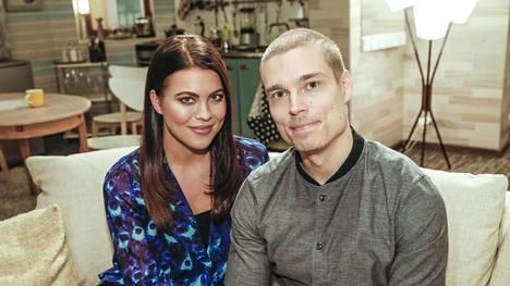 Syksyllä isossa roolissa ovat raskaana oleva Marianna (vas.) ja Sergei (oik.), jota Marianna on pettänyt tämän veljen Sebastianin kanssa.