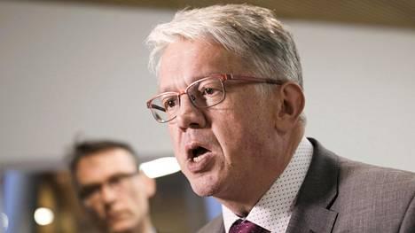 Ex-ministeri Juha Rehula valittiin Suomen Hippoksen johtoon