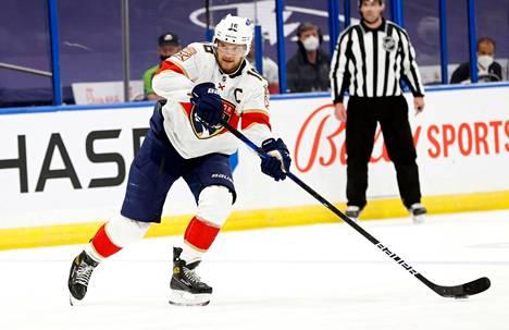 Aleksander Barkov on myös ensi kaudella Florida Panthersin itseoikeutettu ykkössentteri.