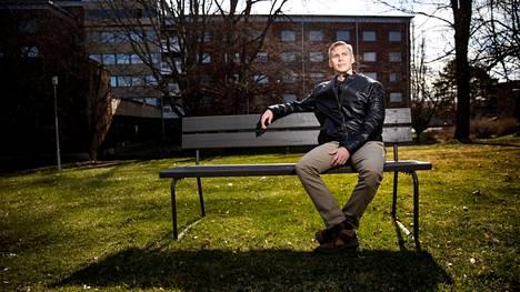 Arttu Tuominen on kotoisin Porista. Hänen dekkareidensa tapahtuvat Porissa.