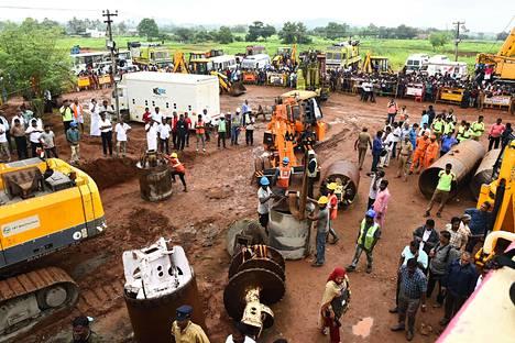 Porakaivo sijaitsee Tamil Nadun osavaltiossa sijaitsevan Manapparain kaupungin läheisyydessä.
