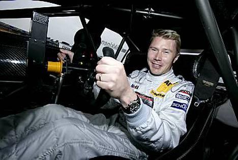 Mika Häkkinen voitti DTM-sarjan osakilpailun Mugellossa.
