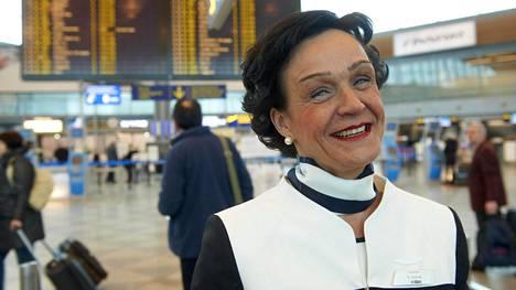 Lentoemännän hymy ei hyydy. Kuva Helena Kaartisesta on julkaistu Helsingin Sanomissa vuonna 2012.