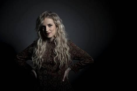 Yhtyeen solisti Elli Haloo keikkaili viime vuonna ahkerasti Ellips-sooloprojektinsa merkeissä.