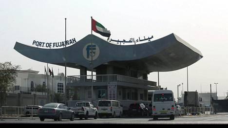 Kuva Arabiemiraateille kuuluvasta Fujairahin satamasta, jonka lähellä sabotaasin väitetään tapahtuneen.