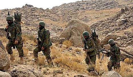 Afganistanin armeijan joukot partioivat viime viikolla talebanien hallitseman Musa Qalan kaupungin lähistöllä.