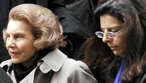 Liliane Bettencourt (vas.) sopi riitansa tyttärensä Francoise Bettencourt-Meyersin kanssa.