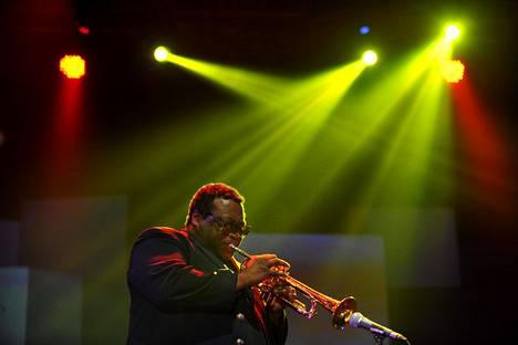 Wallace Roney esiintyi maailmanlaajuisesti Porista Indonesiaan. Kuvassa Roney Java Jazz -festivaalilla Indonesian Jakartassa 2013.