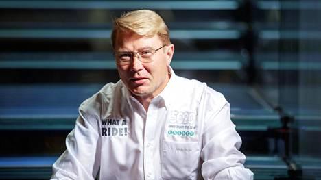 """Mika Häkkinen paljastaa harkinneensa paluuta kilparadoille – """"Se voisi käydä aika helpostikin"""""""