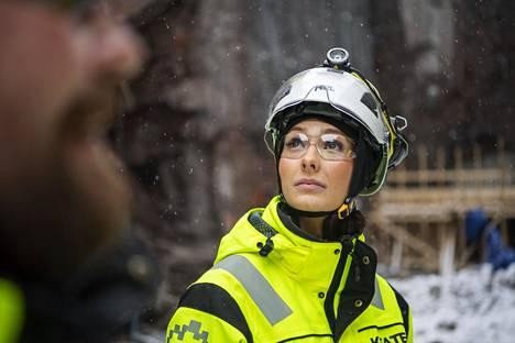 –Alalle on onneksi pikkuhiljaa tulossa yhä enemmän naisia, rakennusmestari ja Miss Suomi -finalisti Emmi Suuronen kertoo.