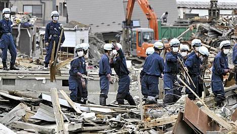 Maaliskuisen 9.0 richterin maanjäristyksen ja sitä seuranneen tsunamin aiheuttamien tuhojen korjaaminen on yhä pahasti kesken.