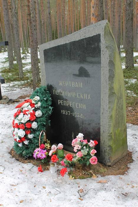 Aimo Ruusunen valmistelee kirjaa Petroskoin lähellä olevasta Krasnyi borin eli Punakankaan teloituspaikasta, jossa ammuttiin noin 580 suomalaista Stalinin vainoissa.