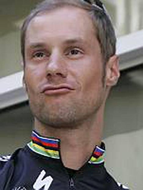 Ranskalaisen välimiesoikeus päätti, että Tom Boonen saa osallistua Ranskan ympäriajoon.