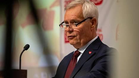 Pääministeri Antti Rinne (sd.) sanoi lauantaina puoluelehti Demokraatissa, että missään ei ole sanottu, että rahat tulisivat käyttöön vuoden 2020 alusta.