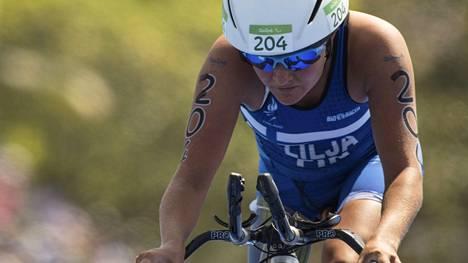 Liisa Lilja sijoittui Rion paralympialaisen triathlonissa syyskuussa 2016 neljänneksi. Nyt hänen paralympiamatkansa saattaa tyssätä Suekin virheelliseen ohjeeseen.