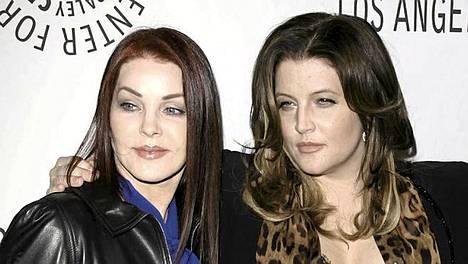 Priscilla ja Elvis Presleyn liitosta syntyi tytär Lisa Marie Presley. Ainakin kaikkien muiden paitsi Lisa Johansenin mielestä.