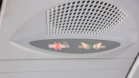 Lentokoneesta poistuminen on usein yhtä sekamelskaa. Ammattilaiset kertovat, miten lentokoneesta tulisi poistua niin, että se sujuu mahdollisimman vaivatta.