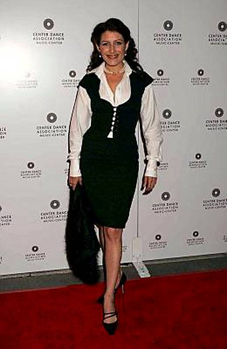 Lisa Edelstein seurusteli suomalaisen joogaopettajan kanssa reilun vuoden.