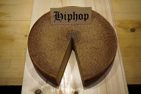 """Hip hoppia """"kuunnellut"""" emmental oli sveitsiläistuomariston mielestä voimakkaimman makuinen."""
