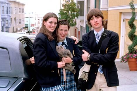 Heather Matarazzo (kesk.) esitti Mian parasta ystävää Lilyä ja Robert Schwartzman tämän veljeä Michaelia. Vasemmalla Anne Hathaway.