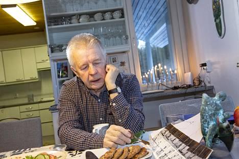 Eino Maksimainen on pitkän linjan valmentaja.