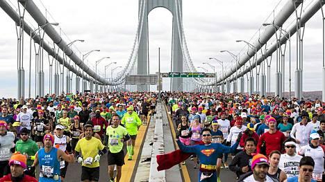 New Yorkin maratonin juossut 86-vuotia Joy Johnson löydettiin kuolleena hotellihuoneestaan.