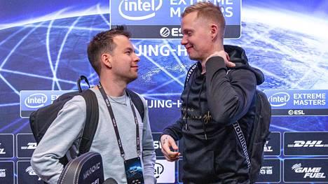 """Aleksi """"allu"""" Jalli (vasemmalla) ja Miikka """"suNny"""" Kemppi kommentoivat molemmat aivan hiljattain ENCEn nykytilaa."""